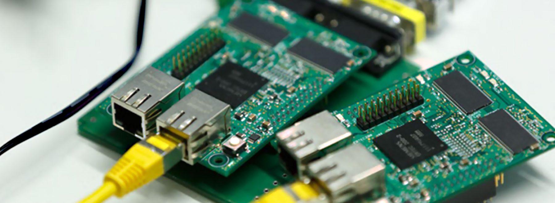Das Bild zeigt Rapsberry PI's. Diese finden Einsatz im Teilbereich Echzeitfähiges Industrial Ethernet / Industrie 4.0.