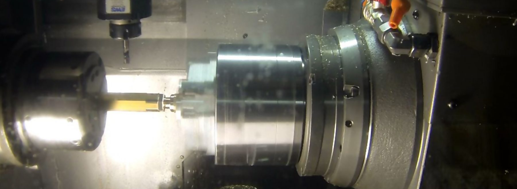 Das Bild zeigt eine Drehmaschine. Diese findet Einsatz im Teilbereich Digitale Produktion / Industrie 4.0.